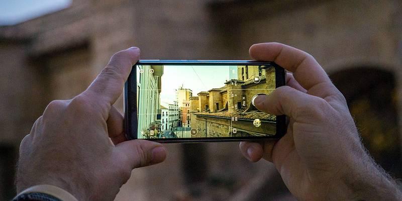 smartphone op reis