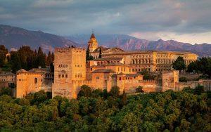 Uitzicht op Alhambra van Mirador de San Nicolas in Granada