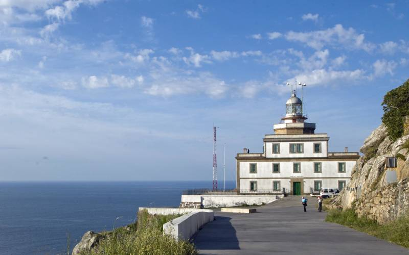 2 Lighthouse at Cape Finisterre, Spain foto Brian_files