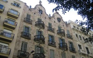 Casa Calvet (Gaudi) _ shadowlite_files