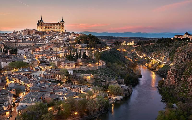 Mirador del Valle _ Toledo, 2016 _ Marta y Eduardo _ Flickr_files
