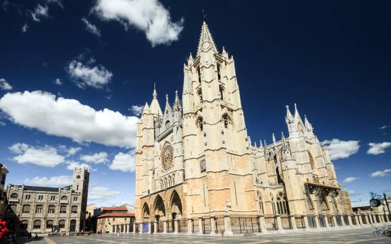 1 Catedral de León. _ Castilla-León, España. _ Flickr foto José Balsas García_files (2)