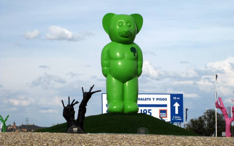 1 Green Bear _ foto ONE by one