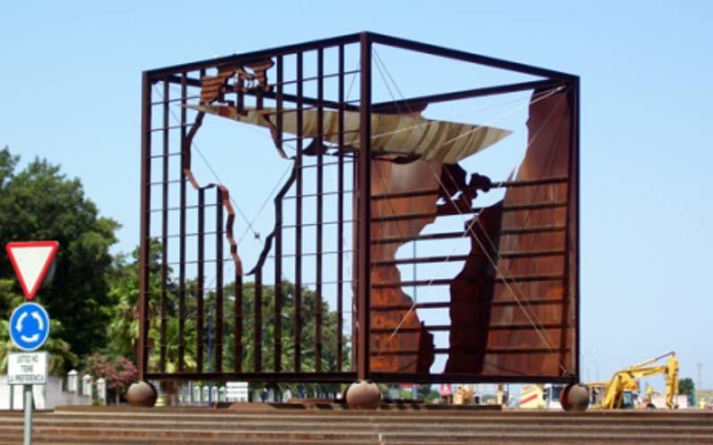 11 Rotonda_San_Fernando_Mohosa_Monumento_Comunicación