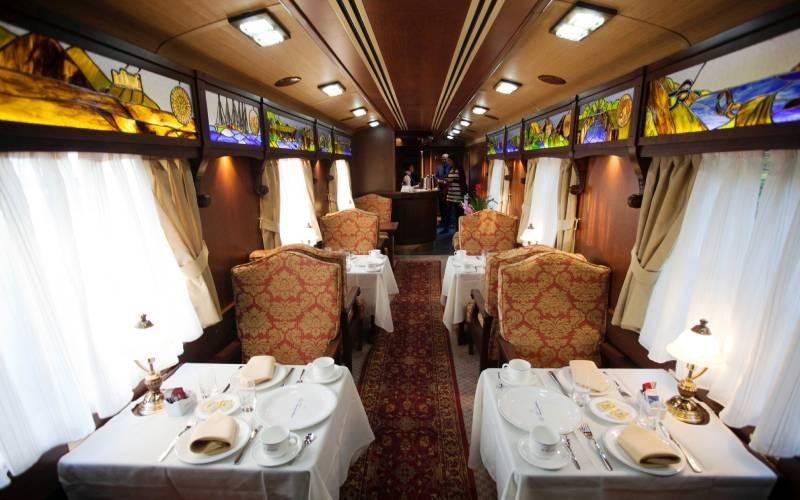 El Transcantabrico - dining car _ El Transcantabrico Gran Lu… _ Flickr foto Simon Pielow_files