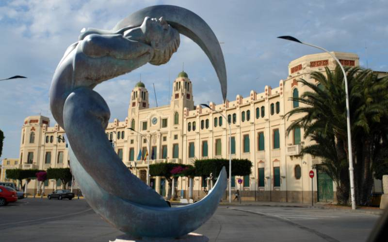 Melilla _ Escultura de Arruf y Ayuntamiento de Melilla Estos… _ Flickr_files