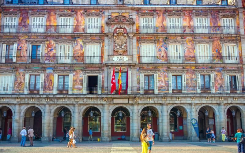 Casa de la Panadería in Plaza Mayor, Madrid, Spian _ Flickr foto CamelKW