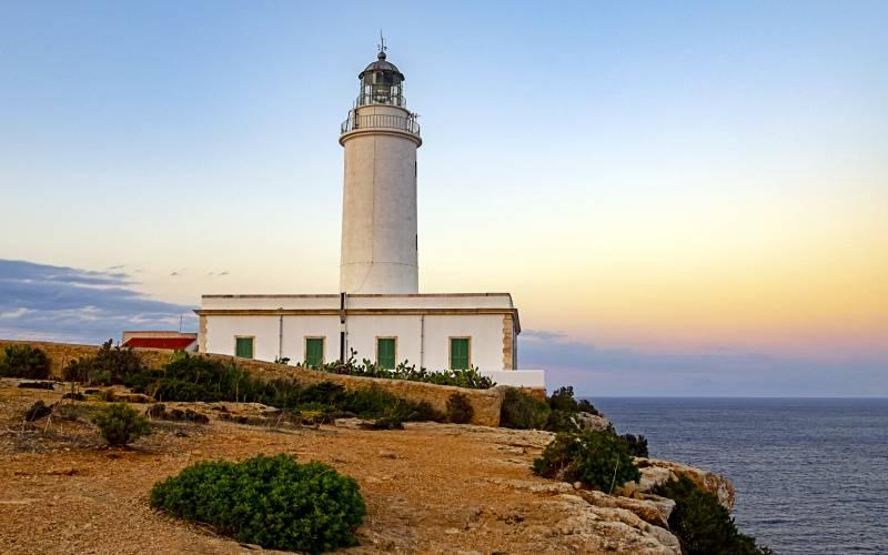 El faro de la Mola _ Formentera, faro de la Mola _ Jose Manuel Casado Sanchez _ Flickr