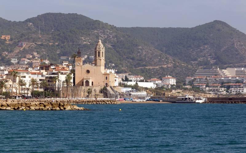 Sant Bartomeu i Santa Tecla, Sitges, Spain _ foto Max _ Flickr