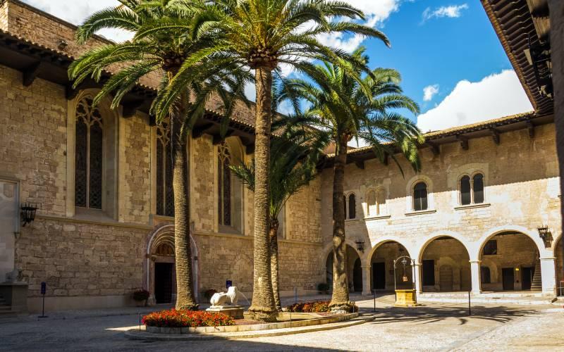 Spain - Mallorca - Palma - La Almudaina Royal Palace _ Flickr foto Marcial Bernabeu