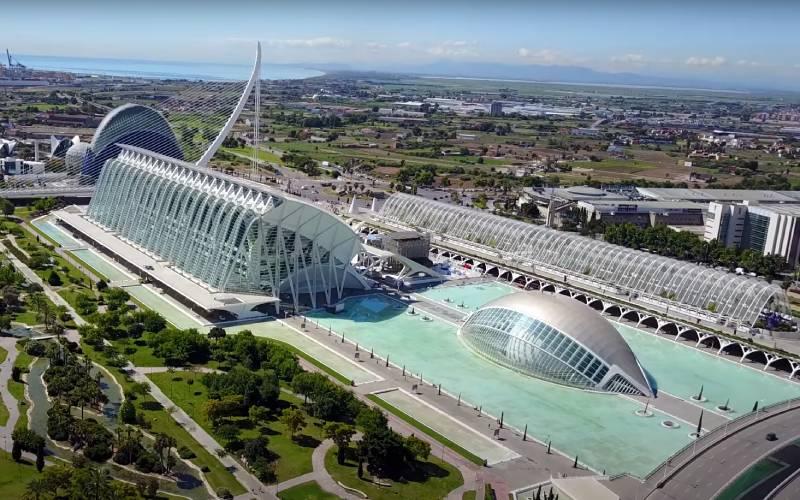 Ciudad De Las Artes Y Las Ciencias In Valencia Drone 4k Video Kijkopspanje Nl