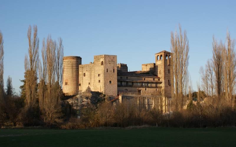 Castillo de Castilnovo _ Hoy bajo propiedad privada, éste vi foto Keraunion
