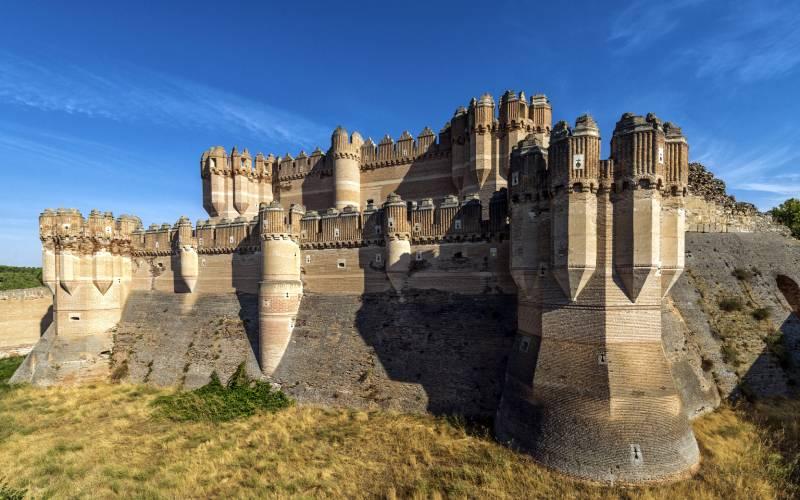 Castillo de Coca, siglo XV, Segovia _ El castillo de Coca es foto Ramón Muñoz