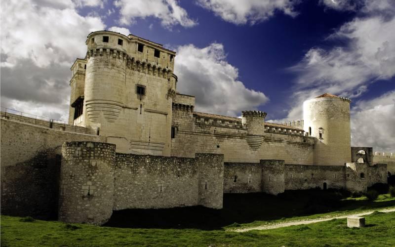 Castillo de Cuellar _ Cuellar Castle (Segovia) _ El Castillo foto isiltasuna
