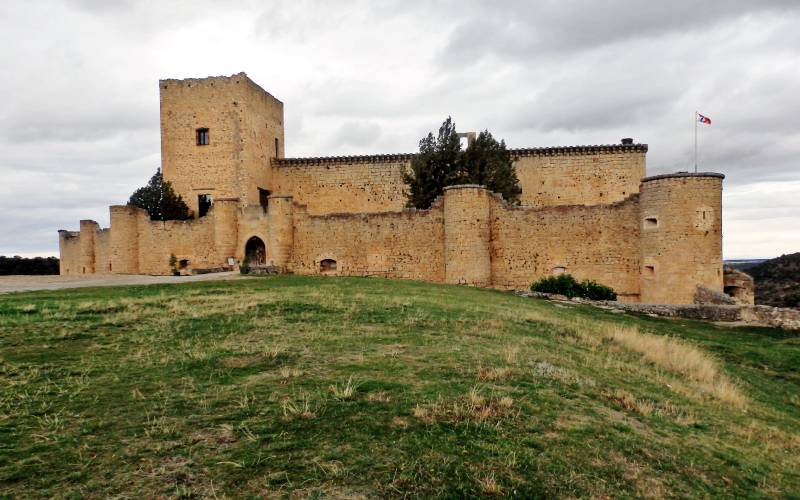 Pedraza,castillo S.XIII Segovia _ El castillo de Pedraza fue… foto Eduardo Ortín
