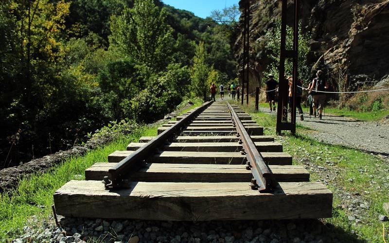 Sendero o Via Verde del Tranvia de Sierra Nevada _ En la loc… _ Flickr foto Jotomo62