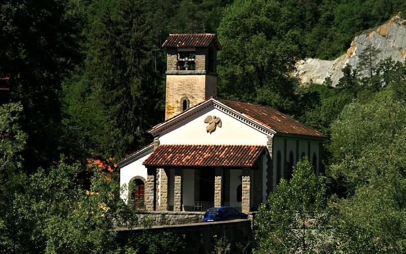 Església de la Nostra Senyora del Carme, la Farga de Bebié foto El senyor dels Bertins