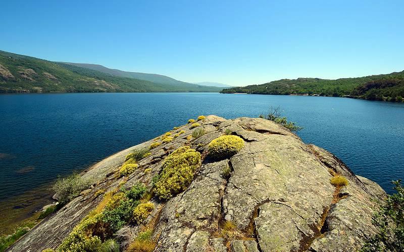 Lago de Sanabria _ Fernando Prada Sanroman _ Flickr
