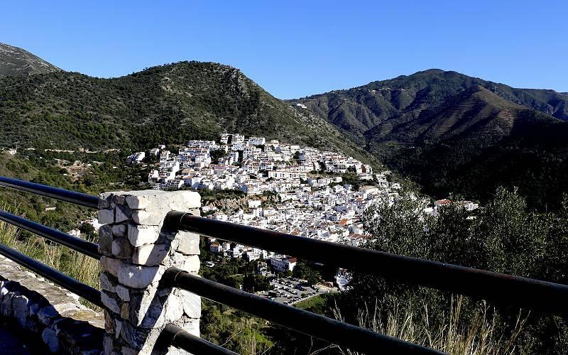 Ojén _ Pueblo en La Sierra de las Nieves. Málaga, España _ camus agp _ Flickr foto camus agp