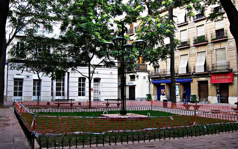 Plaza Santa Cruz, Zaragoza _ Pedro_Pablo_Garcia _ Flickr_files