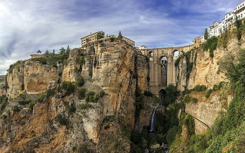 Puente Nuevo - Ronda _ Ronda has been inhabited since the 6t… _ Flickr foto Alex Franklin Jude J