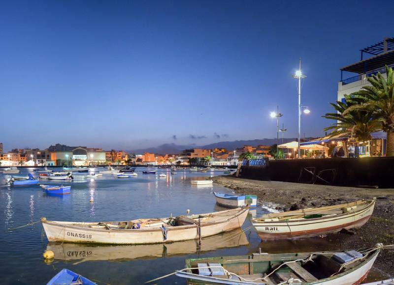haven Onassis and Nati ... _ Charco San Gines, Arrecife, lanzarote… _ Flickr foto paco zerpa