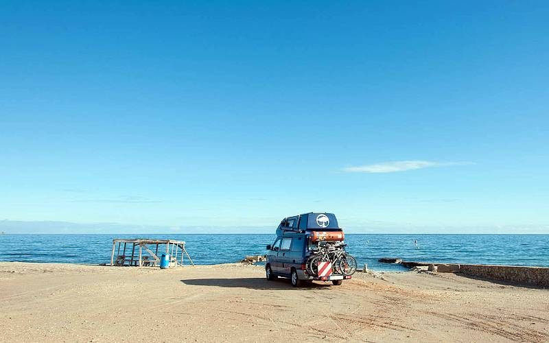 VW T4 Carthago Malibu @ the beach in Spain _ www